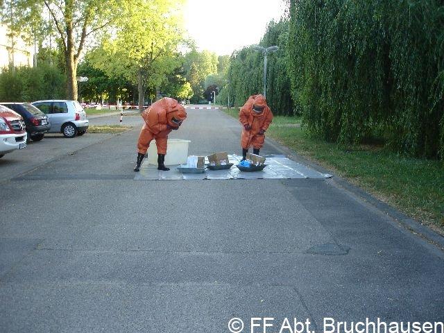 Einsatzübung des Gefahrgutzug Landkreis Karlsruhe Süd